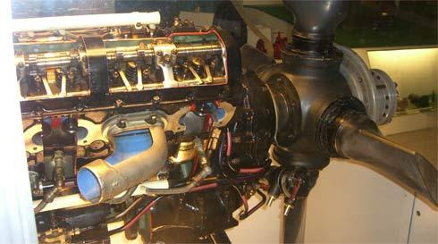 Модель двигателя самолета