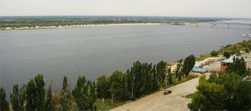 Вид на Волгу из номера гостиницы Турист в Волгограде