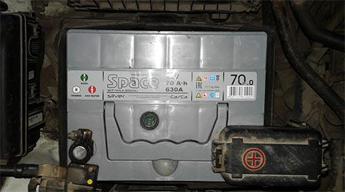 kia sportage как зарядить аккумулятор